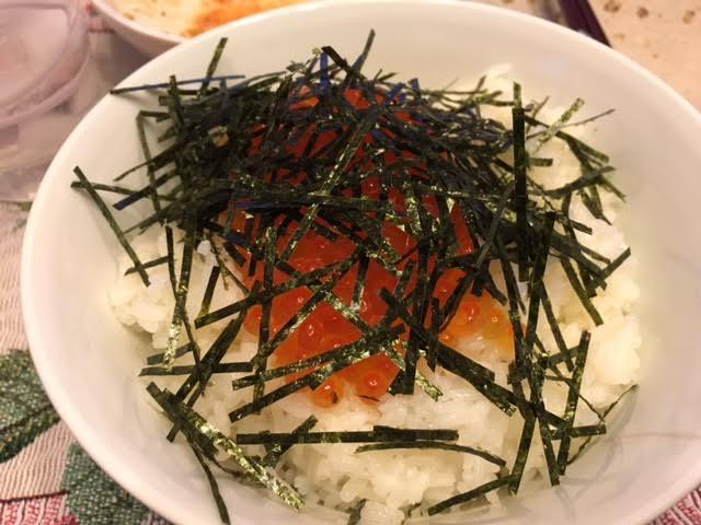 イクラ丼1